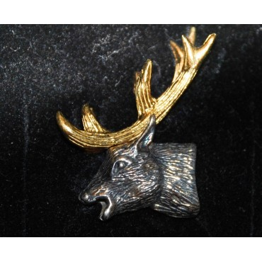 'PIN'S  CERF N° 204 ARGENT 925/°°° DORE  A L'OR FIN 5.8 GR'